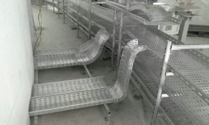 Complex routing of cable tray